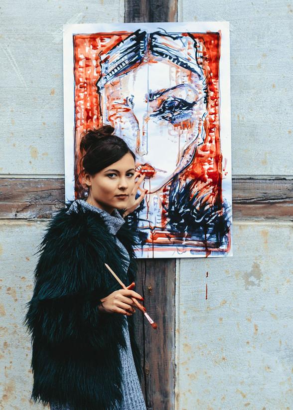 Kamile Lukosiute creates street art and fashionillustration