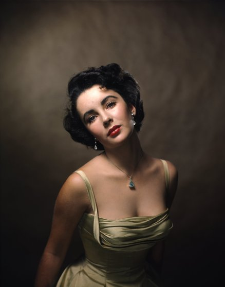 The Story Behind an Iconic and Sultry Portrait of Elizabeth Taylor